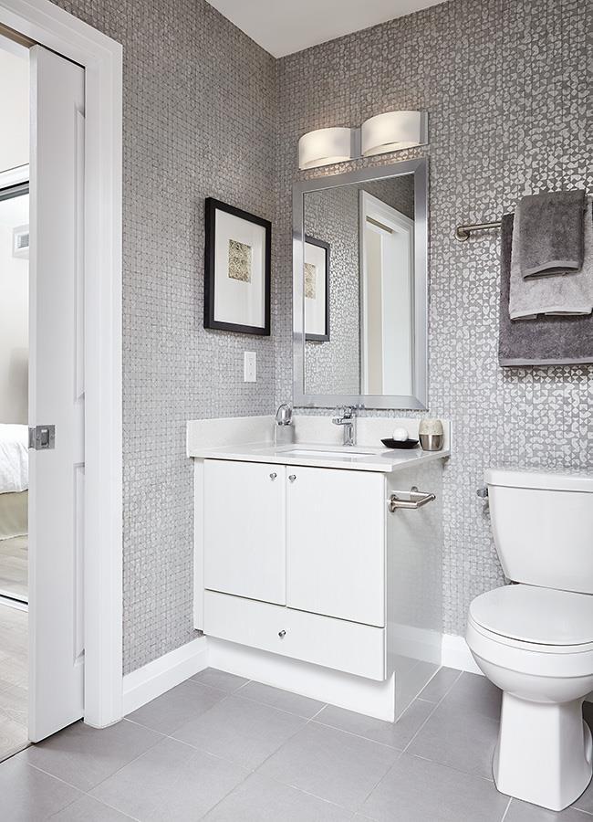 Perla Towers Condos Model Bathroom
