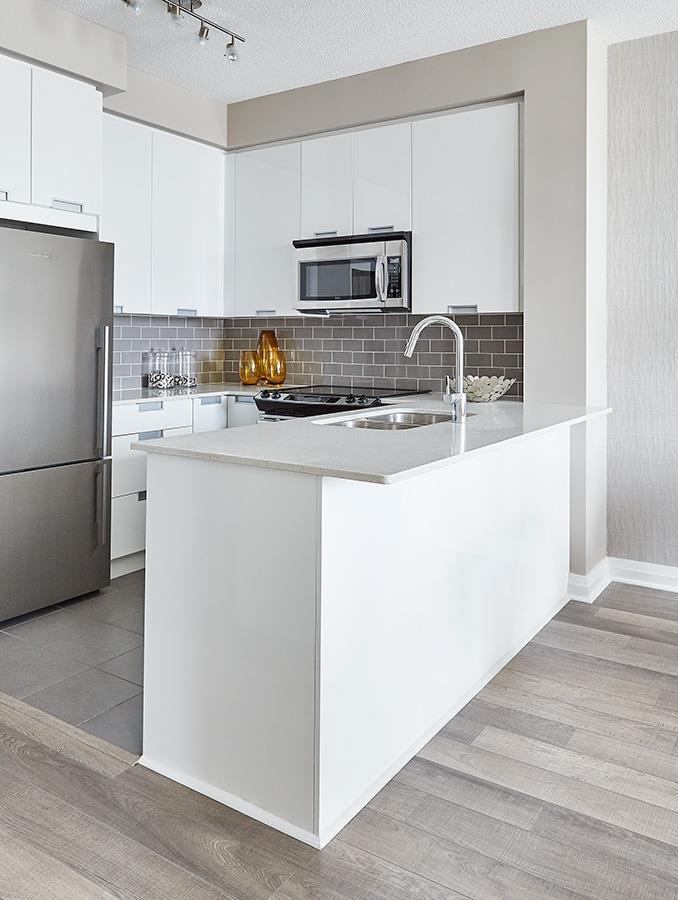Perla Towers Condos Model Kitchen